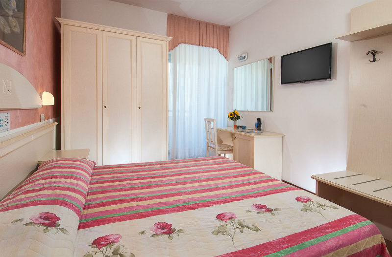 Hotel napoleon vacanze family for Hotel siracusa 3 stelle