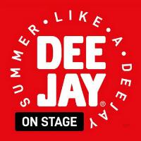 deejay on stage riccione